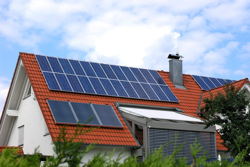 Housewithsolarpanels